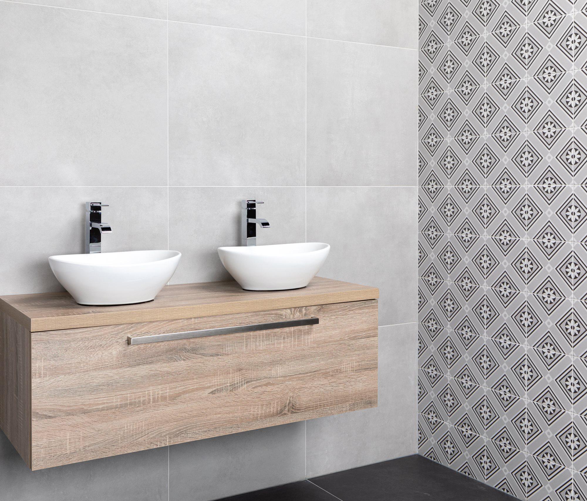 eiken-badkamermeubel-witte-waskommen (1).jpg
