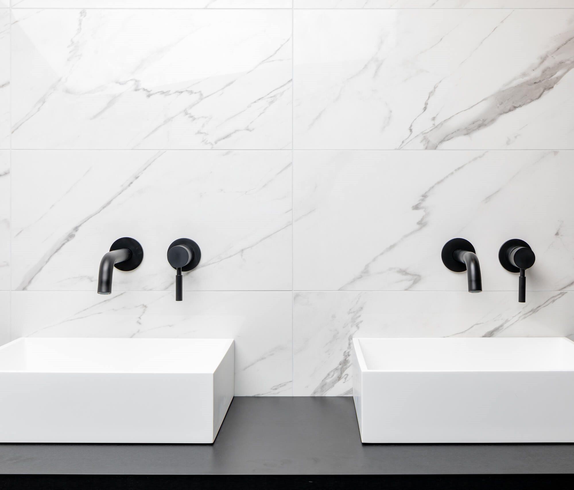 badkamer-trend-marmerlook-tegels.jpg