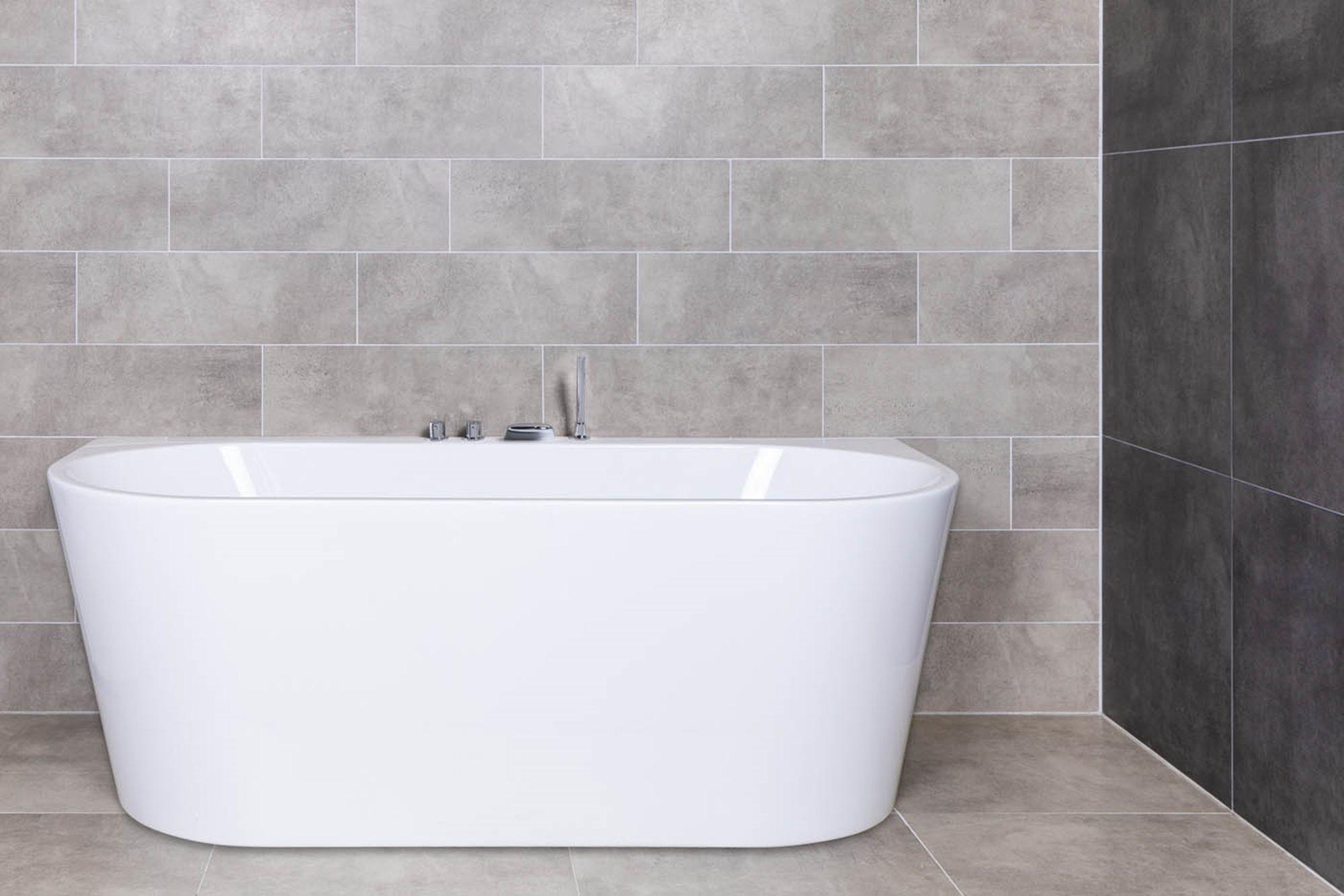 lengte-bad-halfvrijstaand-bad-betonlook-tegels.jpg