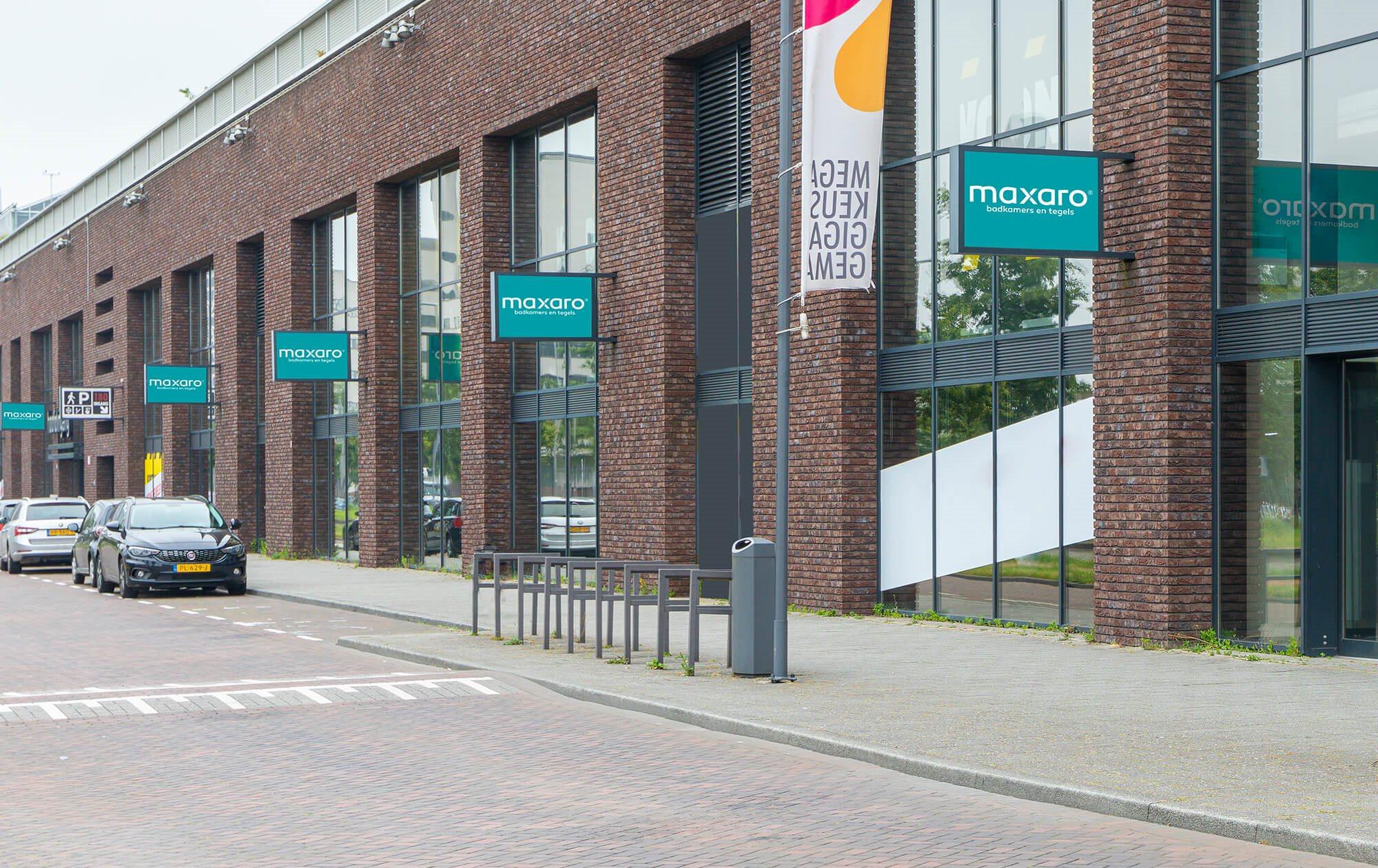 maxaro-opent-derde-showroom-big-shops-rotterdam.jpg